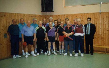 Ältester aktiver Tischtennisspieler im Kreis SW zum 80. Geburtstag von Michael Oberhofer